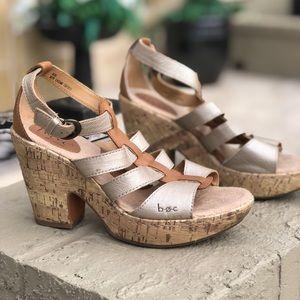 B.o.c. By Born chunky sandal heels sz 8 gold/ tan